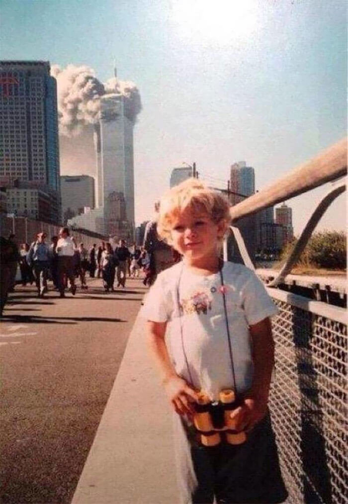 18 Rare Historical 9/11 Photos That You Most Possibly Haven't Seen Before - I Was 4 Years Old And The Picture Was Taken Along The Westside Highway That Morning On 911