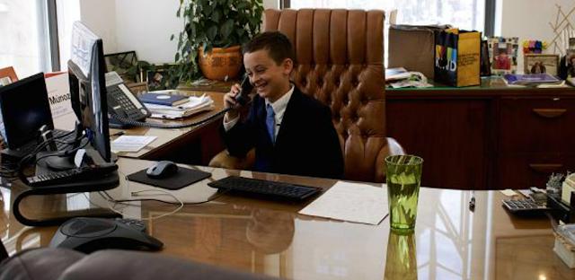 Keren, Bocah 9 Tahun Diangkat Jadi Direktur