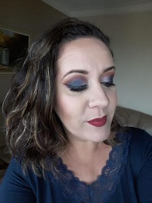 blog-inspirando-garotas-tutorial-maquiagem-azul