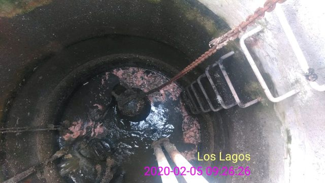 Essal denuncia ante Fiscalía de Ancud la presencia de vísceras de pescado en alcantarillado