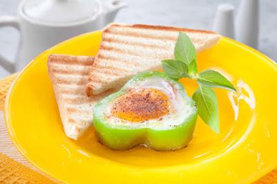 بيض بالطماطم والفلفل