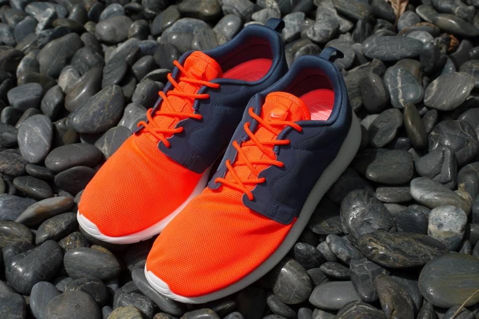 wholesale dealer e448d a3d7b Nike Rosherun Hyperfuse QS -