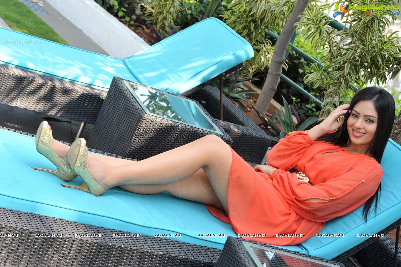 NIKEESHA PATEL sizzling pictures at pool