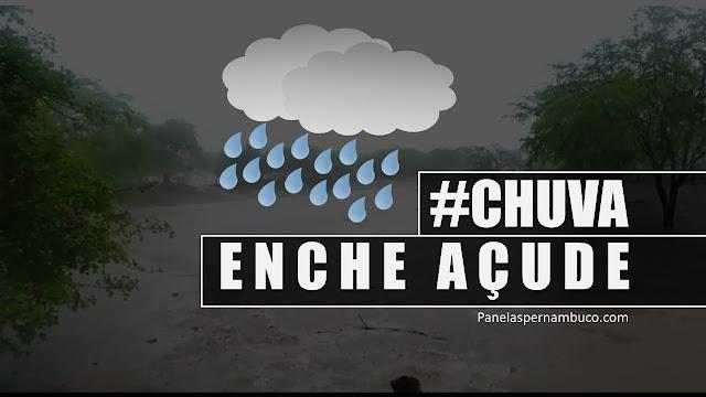 chuva no Distrito Cruzes e açude local enche