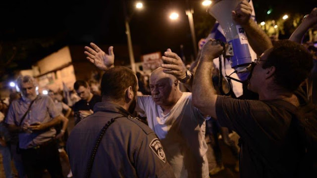 Miles de israelíes protestan por casos de corrupción de Netanyahu