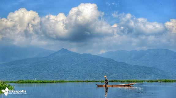 Nelayan Danau Rawa Pening
