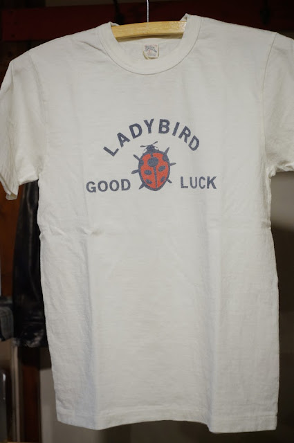 UES LADY BIRD Tシャツ