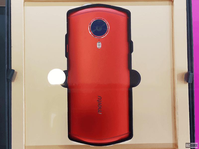 Meitu phone with Vertu-like designs