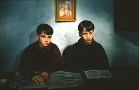 immagine tratta dal film On the Black Hill 1987