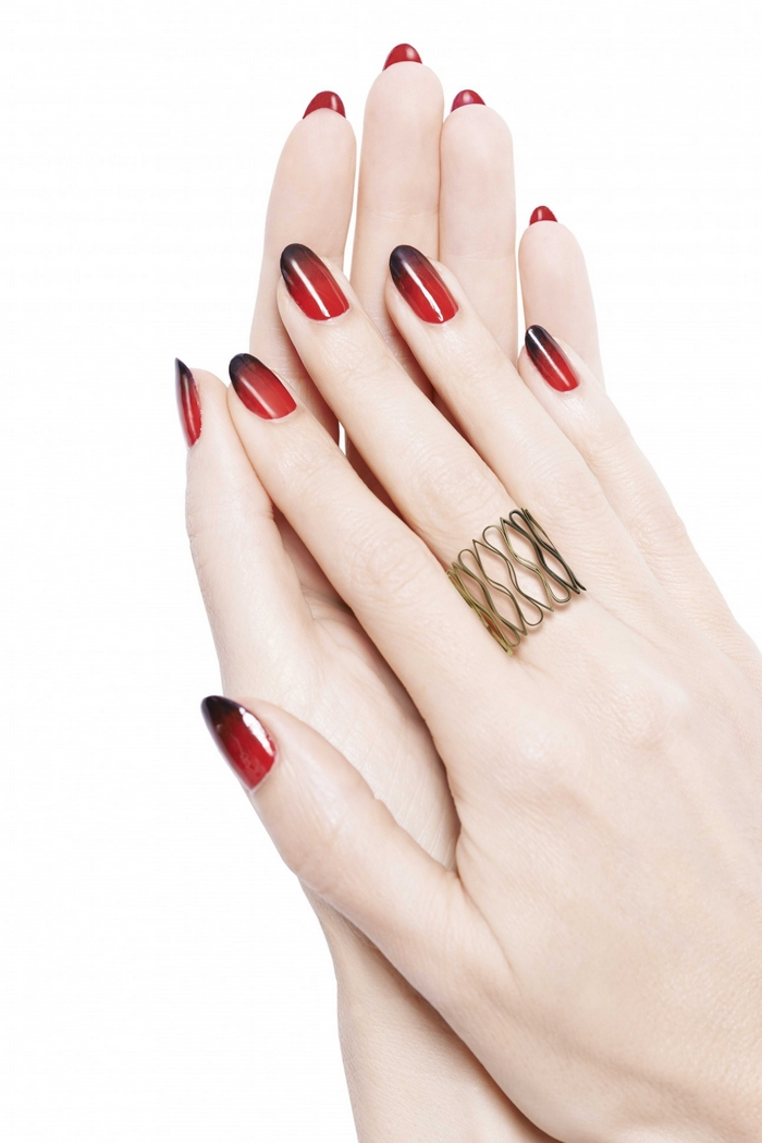 Quot Loubi Under Red Quot Le Nail Art Version Christian Louboutin Beautylicieusebeautylicieuse