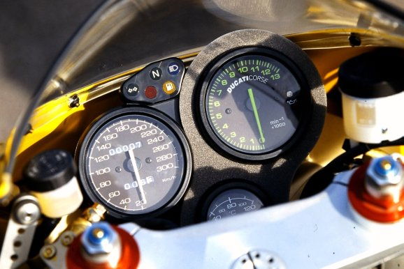 1998 ducati 748 review, proper riding experience ! | real riders