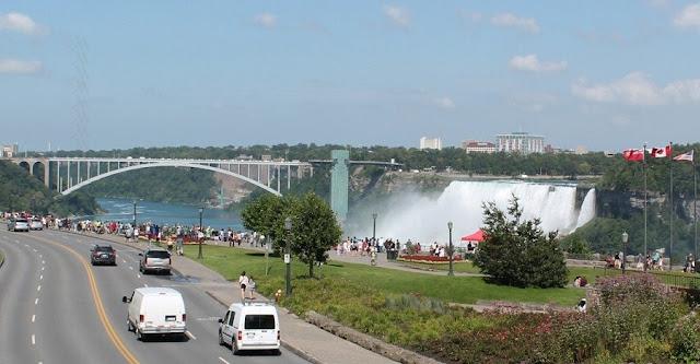 Como andar em Niagara Falls de carro