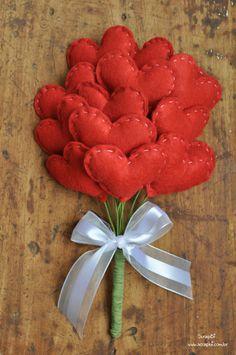 Buquê de corações feito de tecido, para daminhas de honra