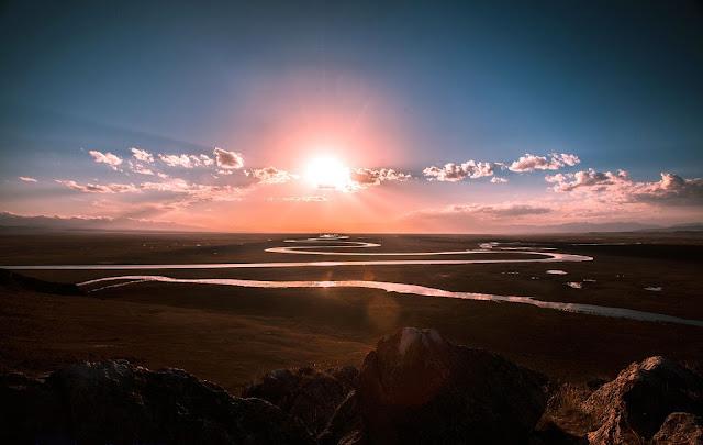 Alex Hu- Public Domain Image - https://pixabay.com/en/the-scenery-prairie-river-sunrise-679011/