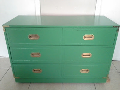 kelly green campaign dresser