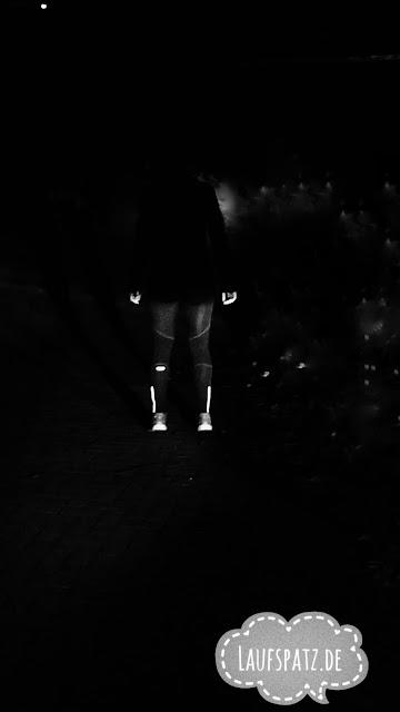 Laufen im Winter Sicherheit dunkel Kleidung Ausrüstung