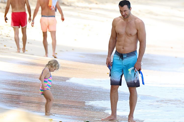 Wladimir Klitschko beach photo couple