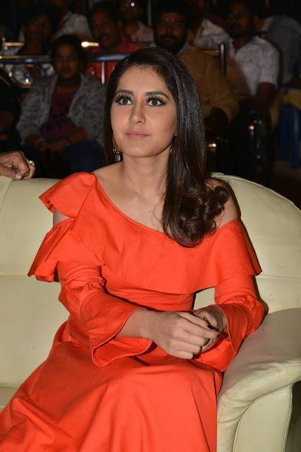 Raashi Khanna Stills At Tholi Prema Movie Pre Release Event