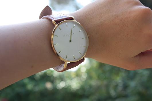 Simplicity is Chic: Halley Watches Review!