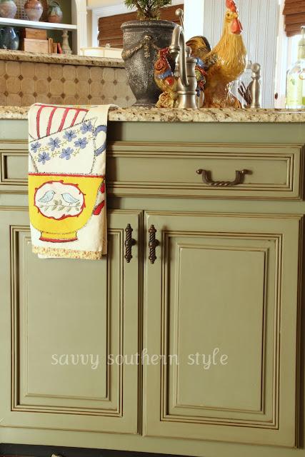 Annie Sloan Chalk Paint Kitchen Cabinet Tutorial