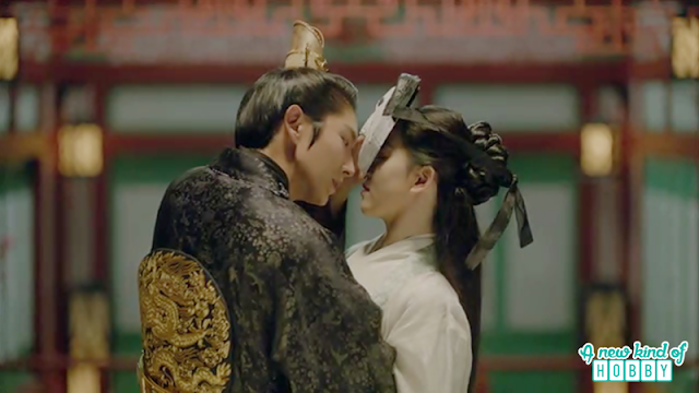 wang so pull yeon hwa towards him thinking she is hae soo wearing the mask - Moon Lovers Scarlet Heart Ryeo - Episode 18 (Eng Sub)