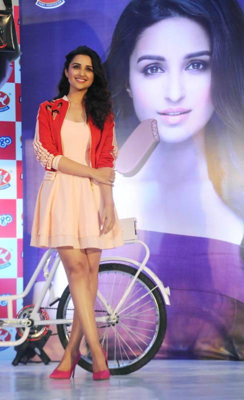 Parineeti Chopra showing hot thigh in a promotion of Vadilal Ice cream