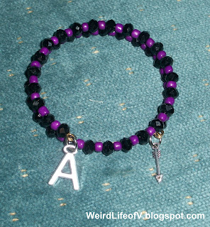 DIY: Marvel's Hawkeye inspired beaded memory wire bracelet