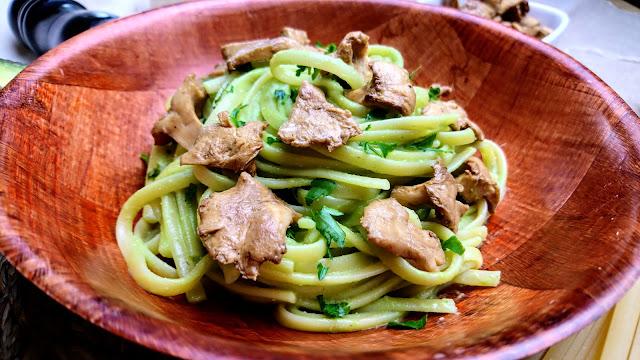 pasta with mushrooms avocado and parsley pesto
