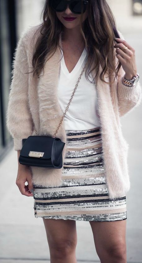 HOLIDAY OUTFIT INSPIRATION: SEQUIN MINI SKIRT