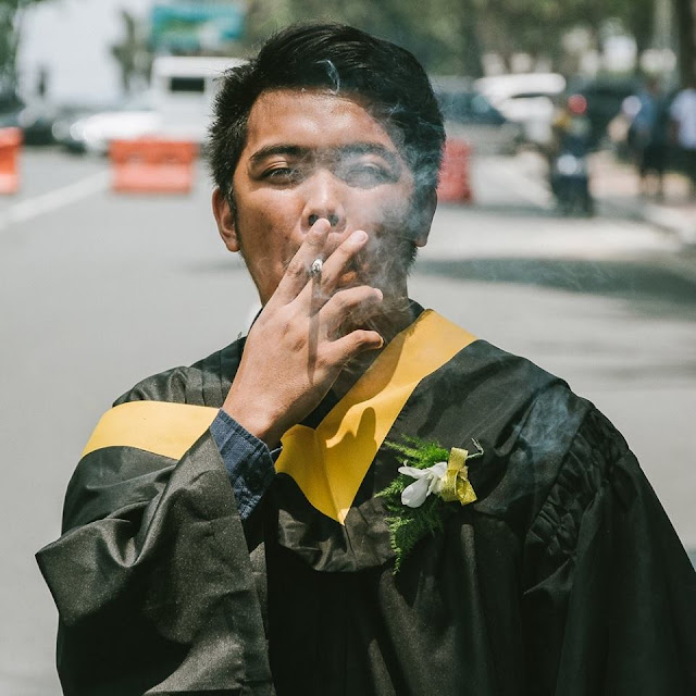 This Guy's Graduation Message Will Give You Stomach Aches from Laughing: 'Pangarap Ko To'ng HolySh*t Na To!' Read It First Here!