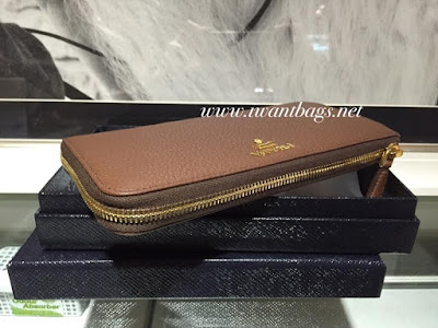 Prada 1M1183 Vitello Daino Zippy Wallet-Palissandro