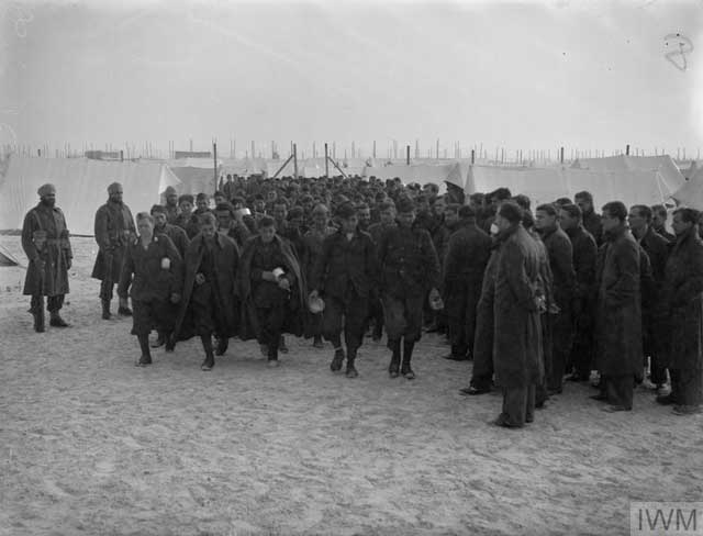 German POWs in North Africa, 30 December 1941 worldwartwo.filminspector.com