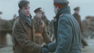 Όταν η μπάλα σταμάτησε τον πόλεμο τα Χριστούγεννα (Βίντεο)