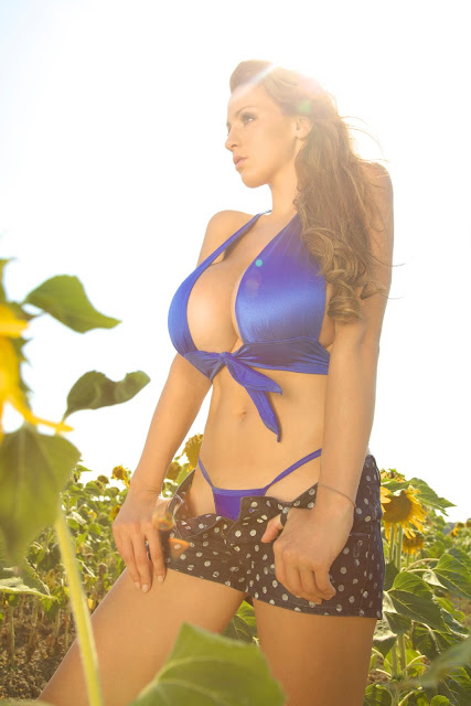 Jordan-Carver-Girasole-hot-and-sexy-hd-picture-of-photoshoot_2