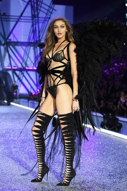 IPRESSTV: Did You Just See Gigi Hadid's Victoria's Secret Wardrobe Malfunction?