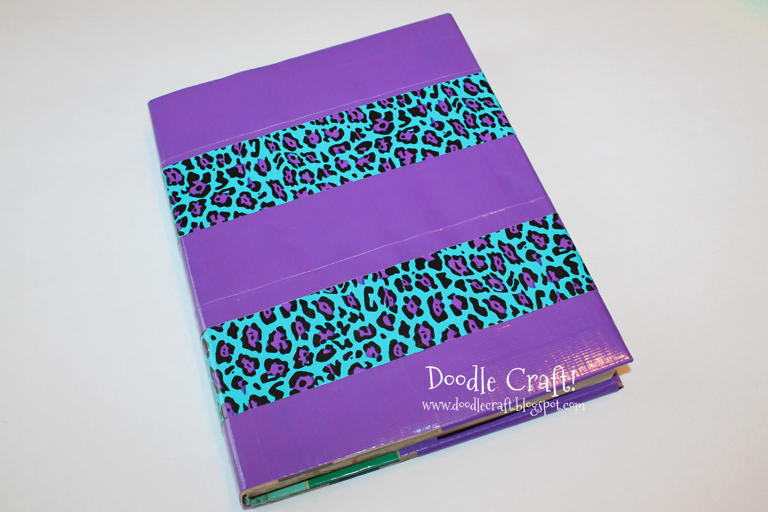 Doodlecraft how to cover a textbook with duct tape for Duck tape craft ideas