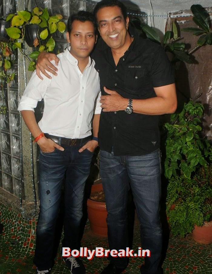 Vindu Dara Singh, Mayank Singh, Hot Photos from Rowdy Bangalore Team of Box cricket League