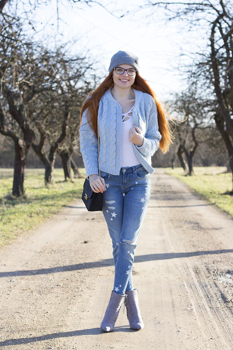 Błękit i szarość | Spodnie w gwiazdki