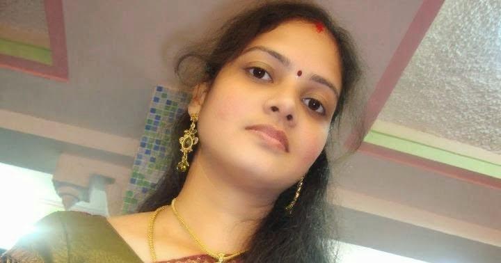 2016 Top 51 Real Indian Housewife Beautiful Bhabhi Saree -7082