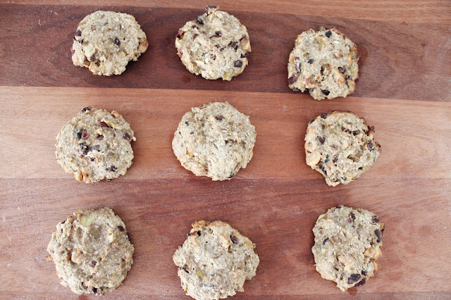 sugar free baking cooking vegan banana cacao nibs walnuts raw healthy food blog blogger lblogger bblogger kirstie pickering youtube youtuber