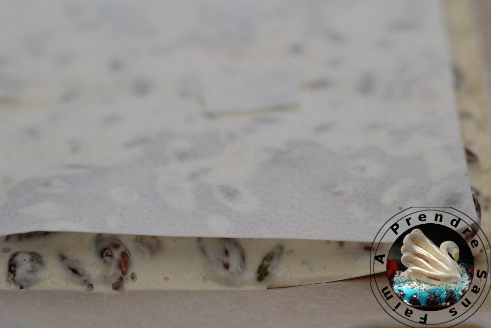 Nougat blanc aux trois fruits secs (pas à pas en photos)