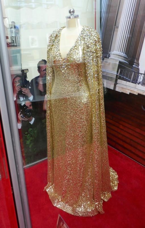 Oceans 8 Mindy Kaling Met Gala gown