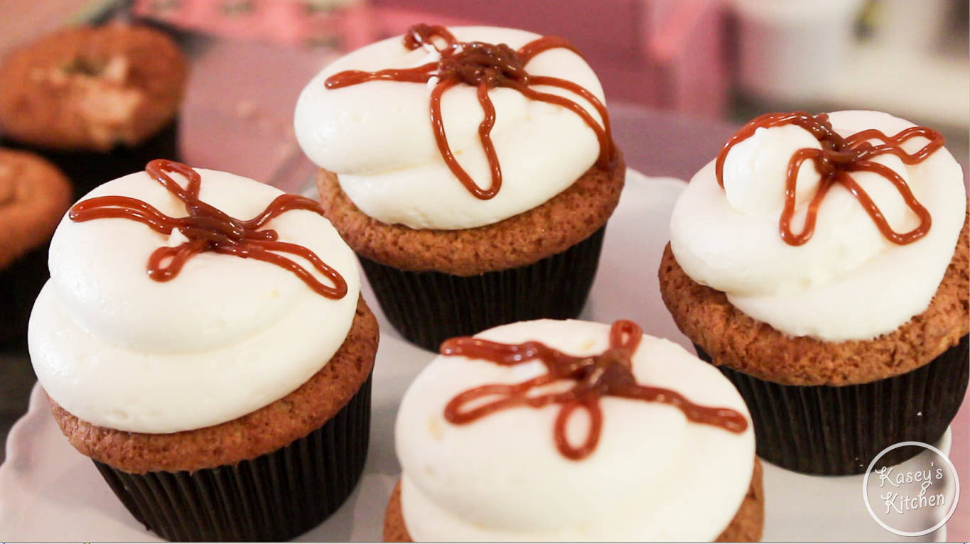 Kasey's Kitchen: Recipe For Caramel Apple Georgetown Cupcakes