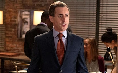 Alan Cummings se ponía serio en The Good Wife