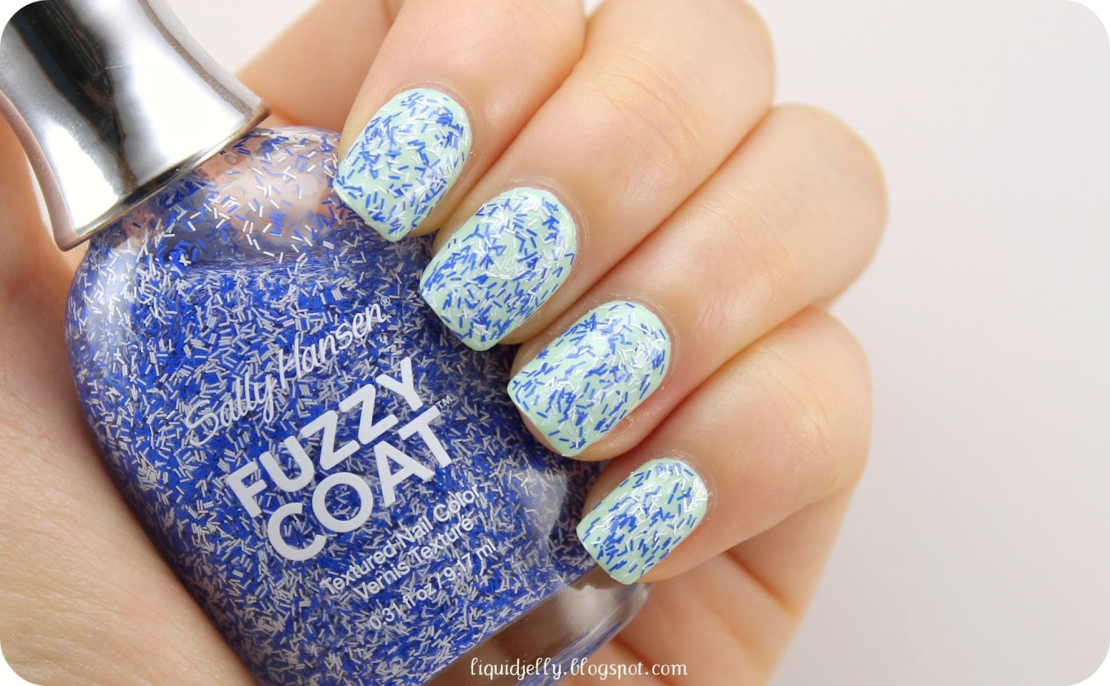 Liquid Jelly: Sally Hansen Fuzzy Coat Review