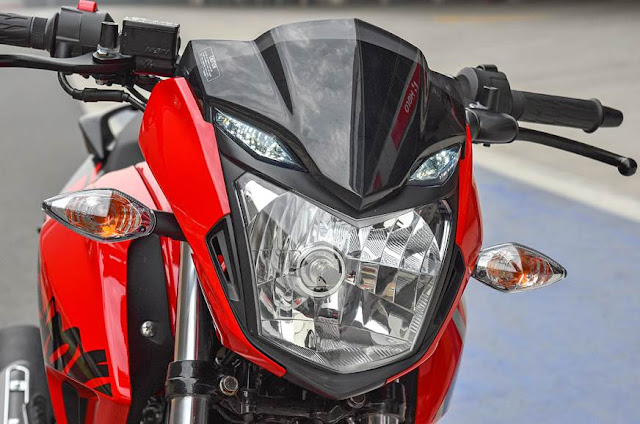 New 2018 Hero Xtreme 200R close up image