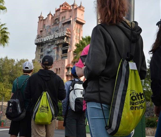Empresa lança programa para adolescentes estudarem na Disney