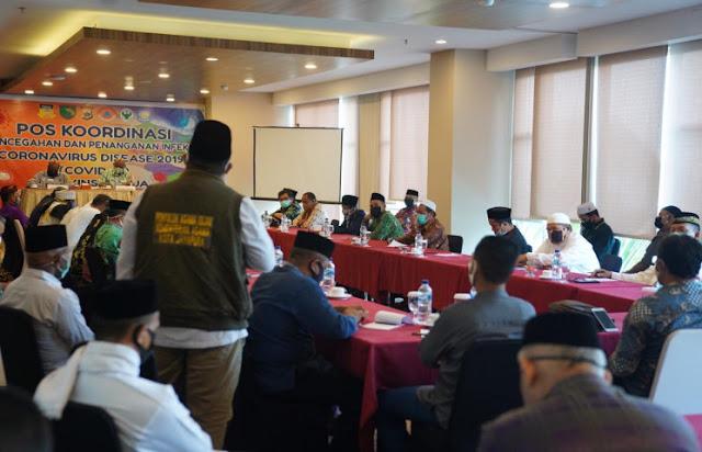 Klemen Tinal Ungkap Majelis Ulama Indonesia Papua Sepakat Sholat Idul Fitri di Rumah Saja
