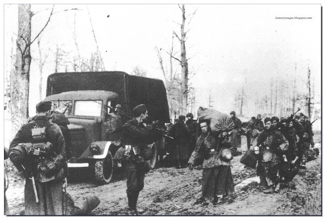 SS troops escape  Korsun-Cherkassy pocket