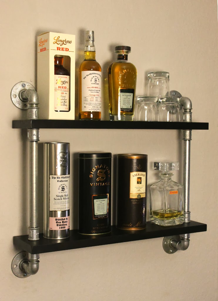 Wandregal Rohr Industrialstyle.de: Whisky Display Temperguss Rohr Regal